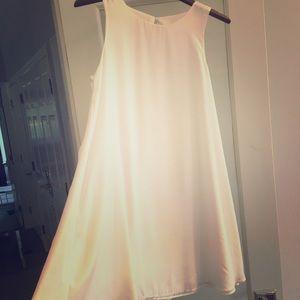 White flowy dress!